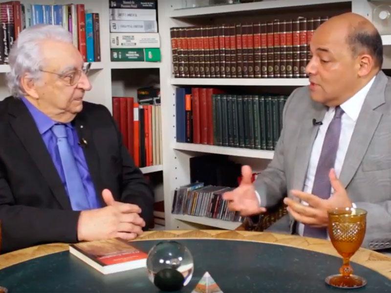 Entrevista de Alfredo Attié a Laercio Laurelli