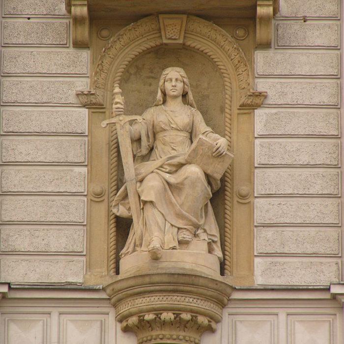 Direito Tributário: Prejuízos ao Mercado e Sanções