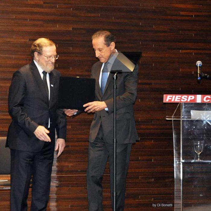 Acadêmico Titular da Academia Paulista de Direito é homenageado