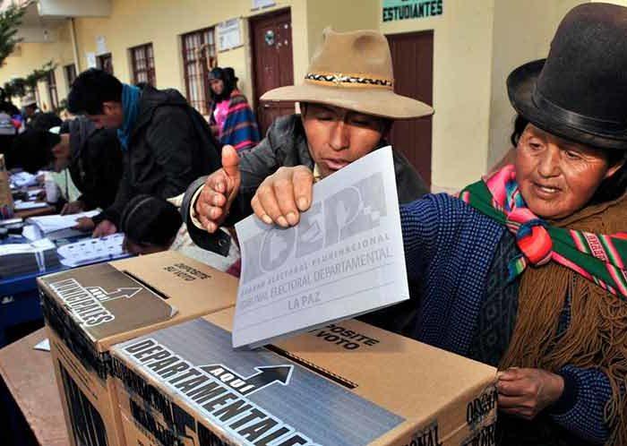 Centro de Direitos Humanos manifesta-se contra a supressão da Democracia na Bolivia